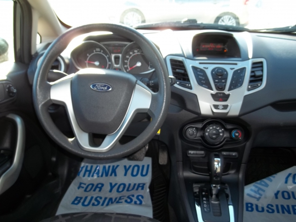 2011 Ford Fiesta Photo 5