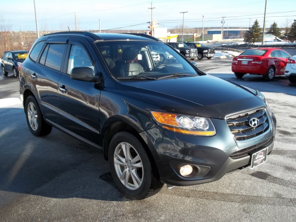 2010 Hyundai Santa Fe Photo 2