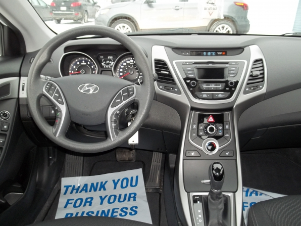 2015 Hyundai Elantra Photo 1