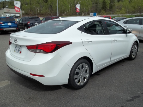 2015 Hyundai Elantra Photo 10