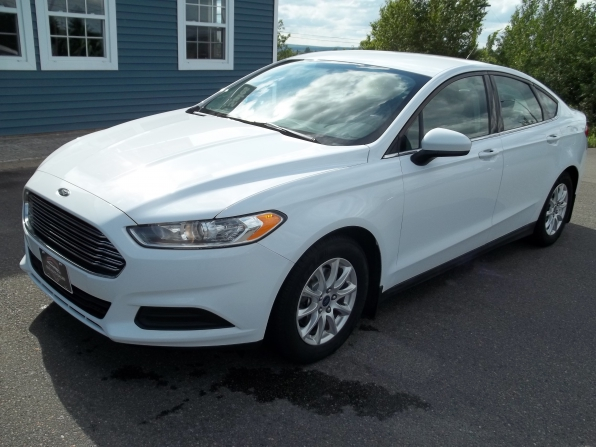2016 Ford Fusion Photo 1