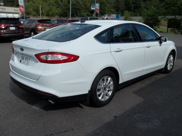 2016 Ford Fusion Photo 3