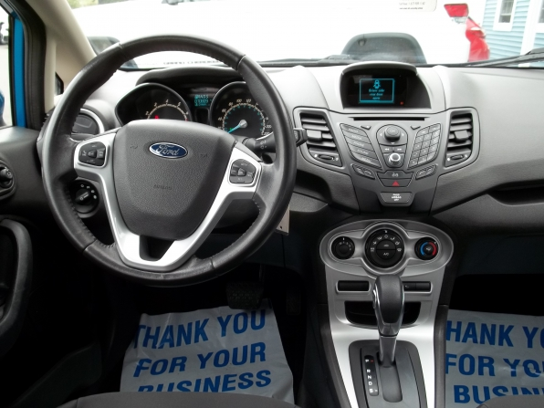 2014 Ford Fiesta Photo 5