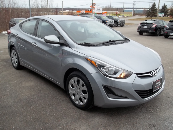 2016 Hyundai Elantra Photo 2