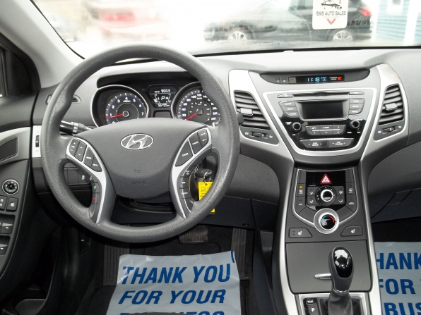 2016 Hyundai Elantra Photo 5