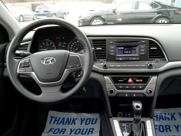2017 Hyundai Elantra Photo 5